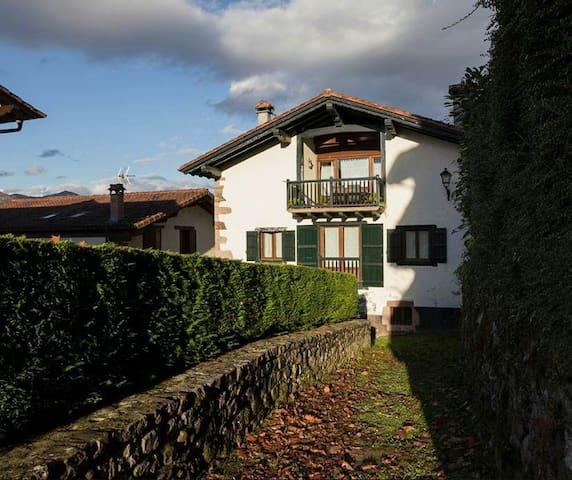 Casa Rural Senperenea I