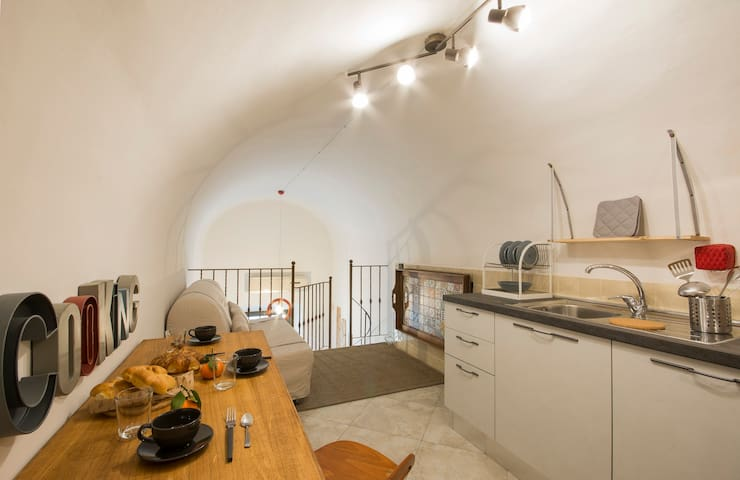 Studio flat Magenta