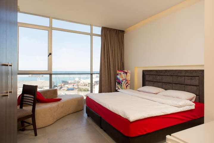 Beirut 'Port View' Studio - Mar Mikhael - อพาร์ทเมนท์
