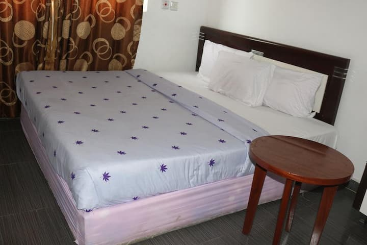 Phisbond Hotels - Executive Room