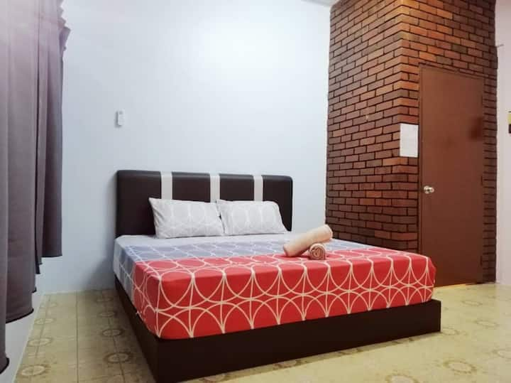 Take A Trip Bentong Homestay 1 King Bedroom C
