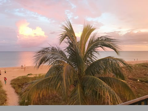 Sanibel Beachfront Condo at Sand's Edge-Great View