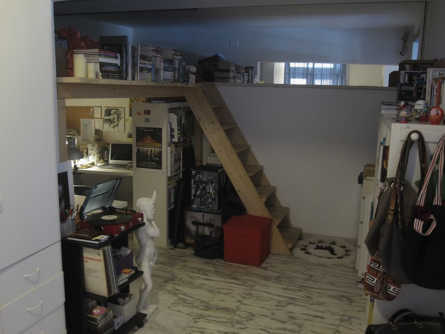 Art Studio, mezzanine bed