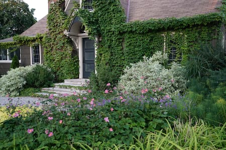 Lakeview House, Niagara-on-the-Lake - Niagara-on-the-Lake