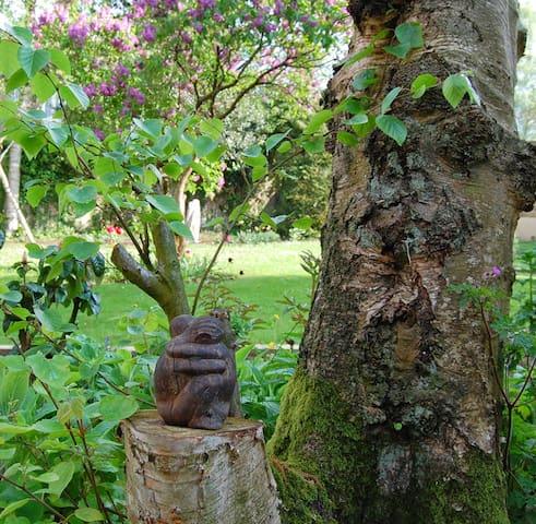 Soest: Ruim appartement met prachtige tuin