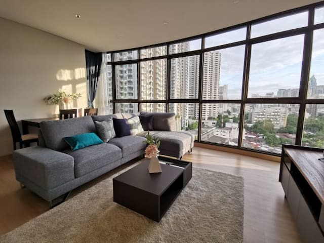 New! Sukhumvit NANA spacious 2BR 4PPL near BTS