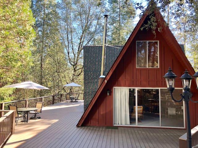 Sierra Haus Retreat near Twain Harte & Pinecrest