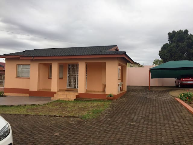 A standalone two bedroom cottage - Manzini, Swaziland - Casa
