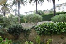 Au pied de la Chapelle Matisse: chambre au calme
