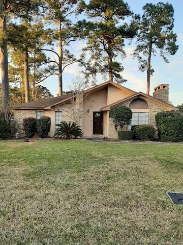 Nice Home with Discounts /Quiet Neighborhood