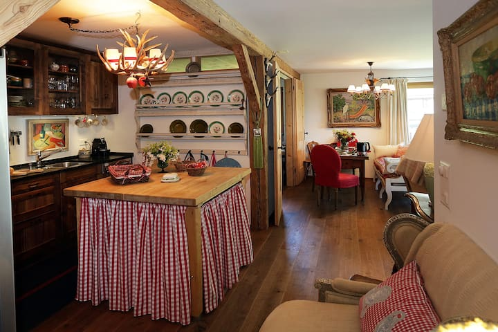 Beautiful Apartment in Klosters. Great location.