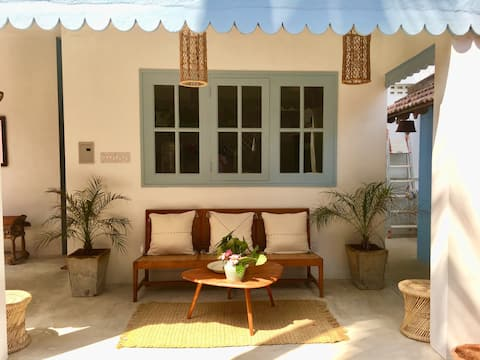 La Maison Bleue - Serenity Beach - 1 to 4 guests