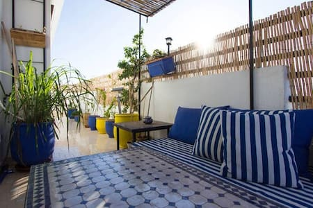 Corail bed room on blue balcony - Casablanca