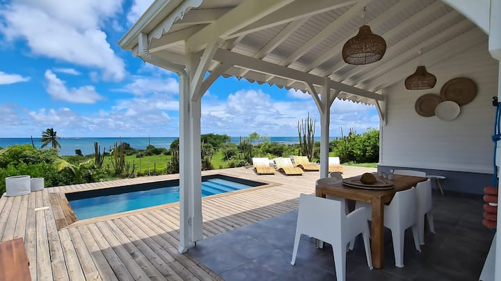 Villa Baïa'ni sur le lagon - piscine