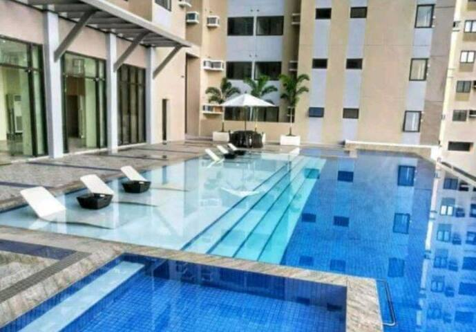R&Q Cozy Studio Penthouse @D Heart of Cebu near SM
