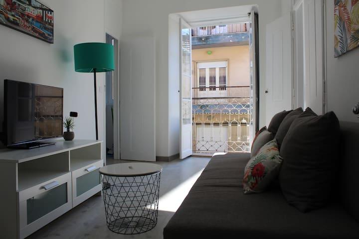 Centro remodelado com Wifi, 2 quartos