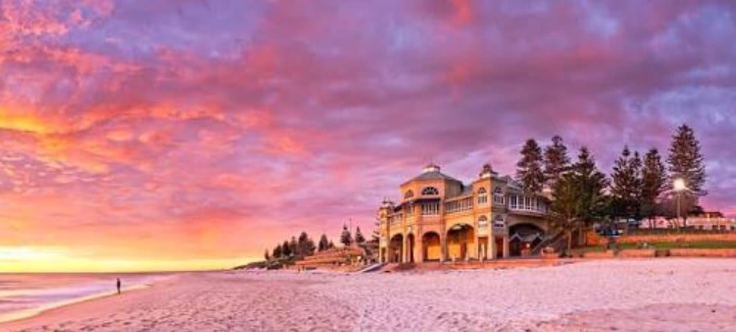 Sunsets over Cottesloe Beach & pool - Mosman Park - Apartment