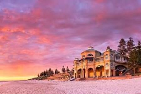 Sunsets over Cottesloe Beach & pool - Mosman Park
