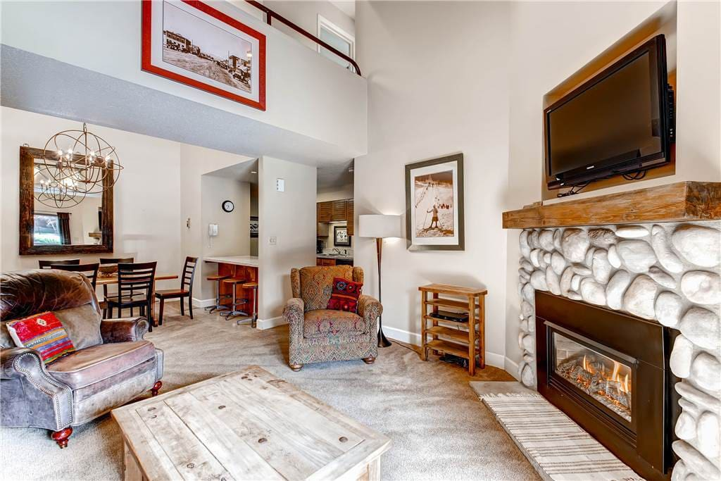 Fireplace,Hearth,Chair,Furniture,Bedroom