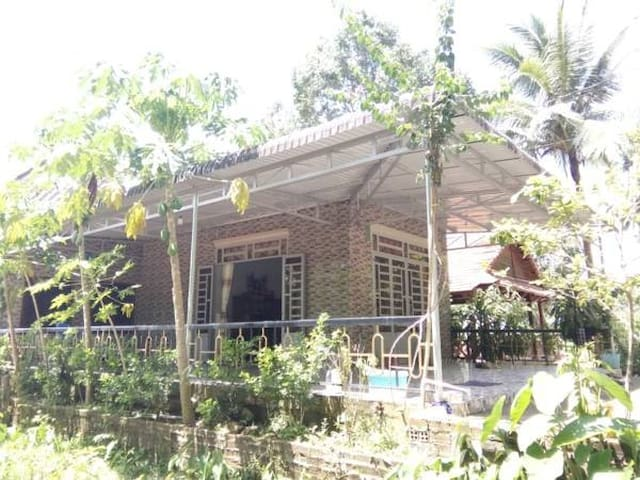 FORETS SIDE HOMESTAY