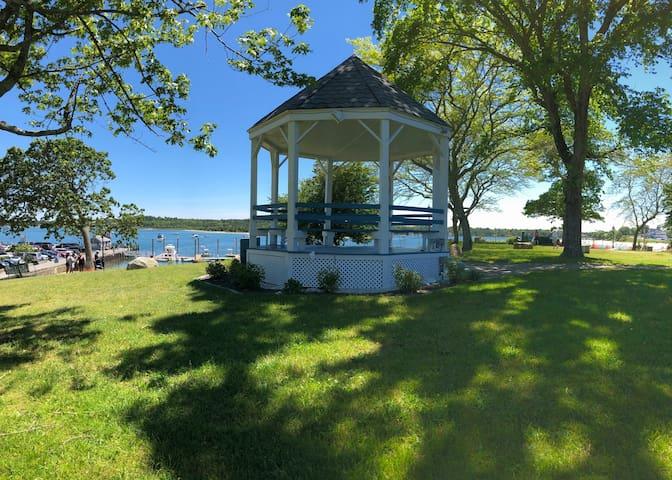 Bay View Park gazebo with ocean views.