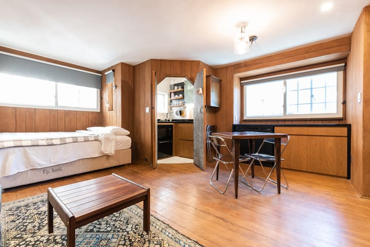 LONG TERM RENTAL,STUDIO IN THE VILLAGE
