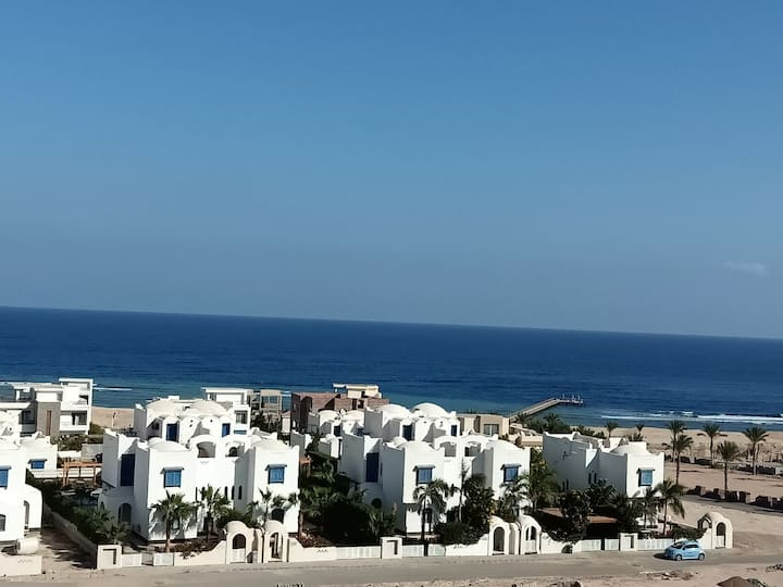 Full sea view, Nice & cozy home.