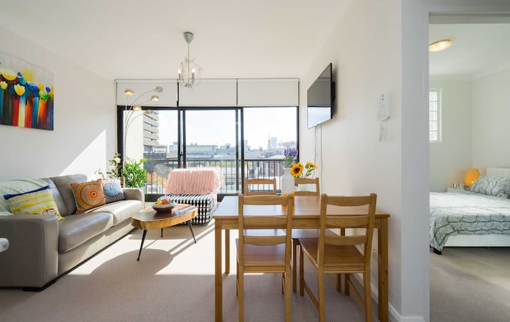 Sydney City Modern 1 bedroom Next to Central