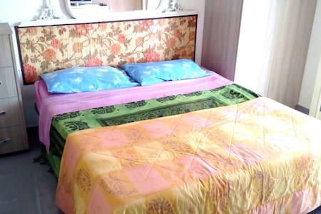 Economic Double Room, kitchen, Wi-Fi in the city - Reggio Calabria - Apartamento