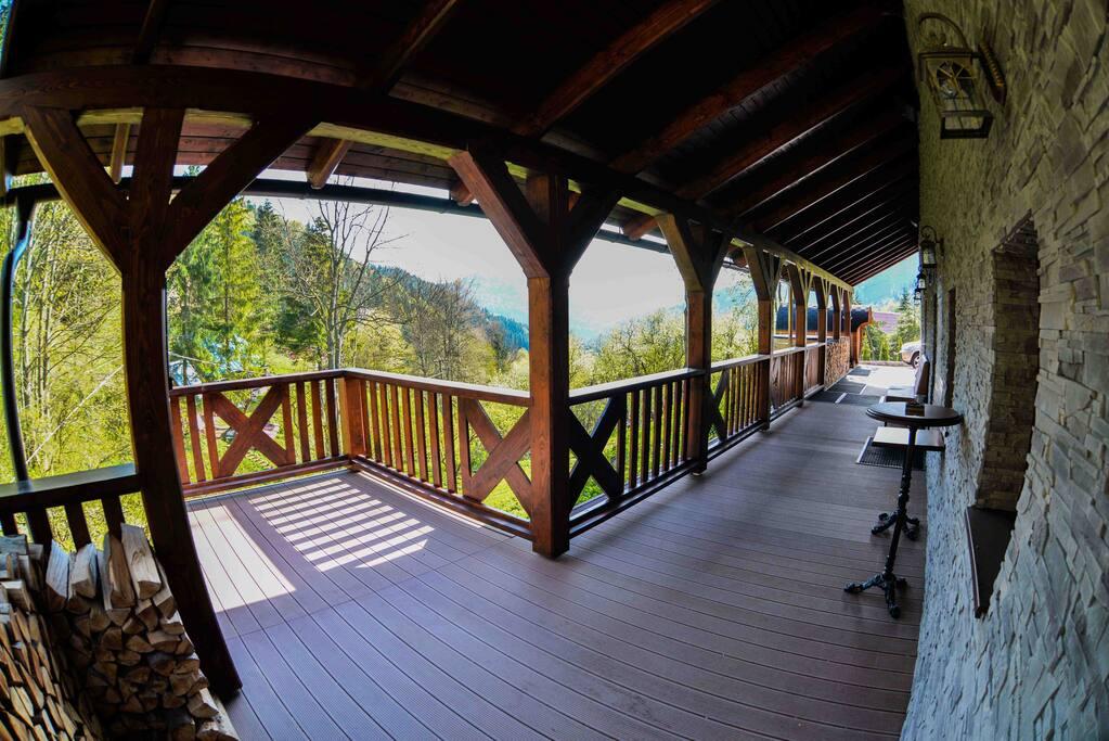 Large front terrace