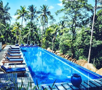 Awarded 5 bed A/C B&B Templeberg - Galle - Bed & Breakfast