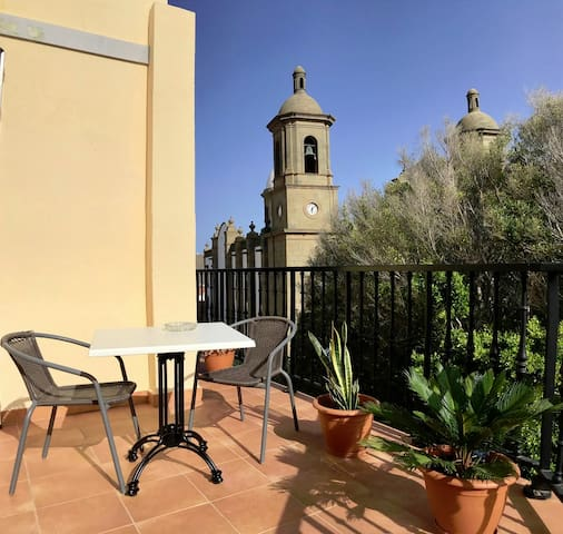 Sunny terrace apartment – Aguimes old town plaza