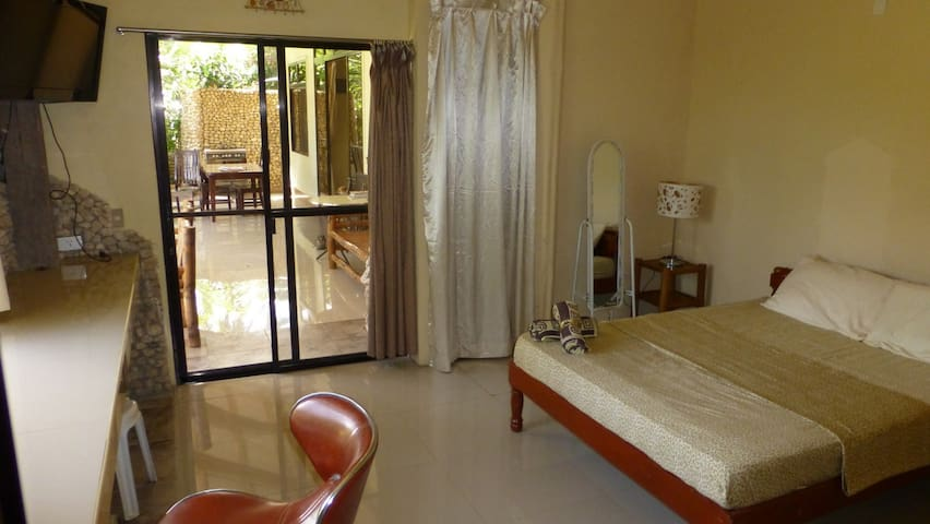 Spectaclar Serenity - Private Friendly - Serviced - Catmon - Boutique hotel