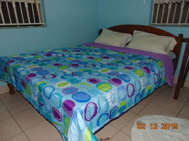Stay with a warm family in Kisumu