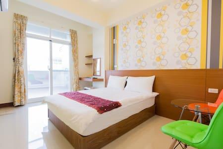 (高cp值) 雅緻雙人套房,平價 溫馨 舒適的家 - Taitung City - Bed & Breakfast
