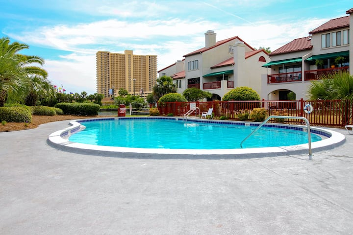 Condo Close to the Beach w/Shared Pools, Dock, Tennis - Snowbirds Welcome!