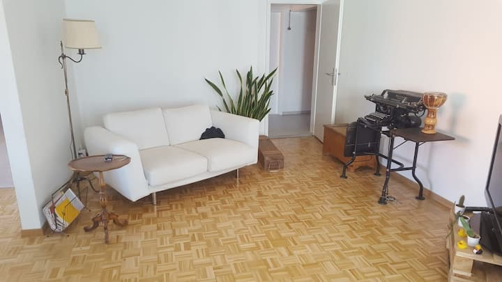 Room close to the main station in shared flat