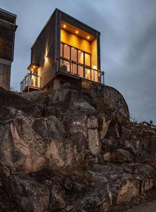 House on the rocks, in the winter