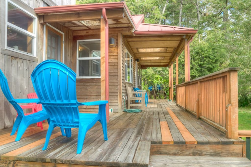 Great front deck with seating to enjoy the sun exposure and sound of the birds.