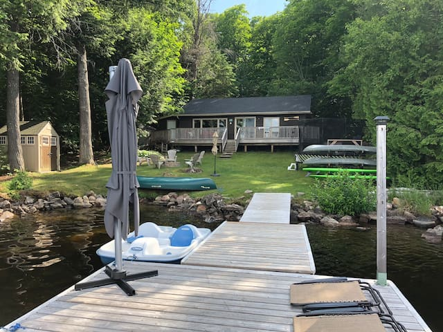 Quiet Lakefront Cottage - Little Glamor Lake