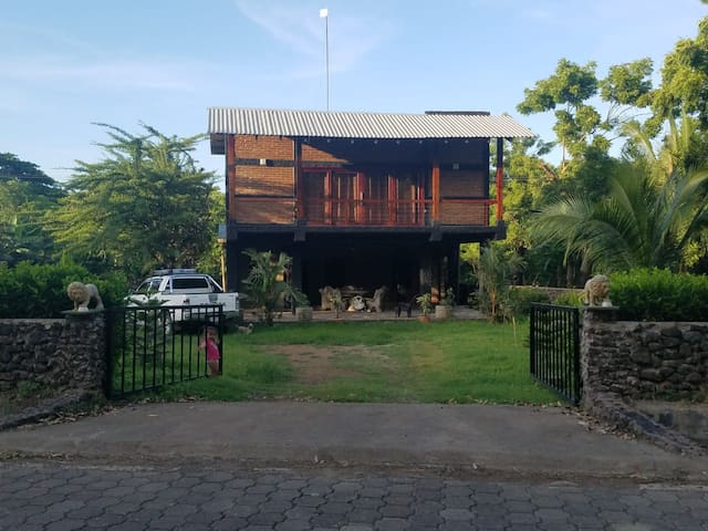 Yamy House