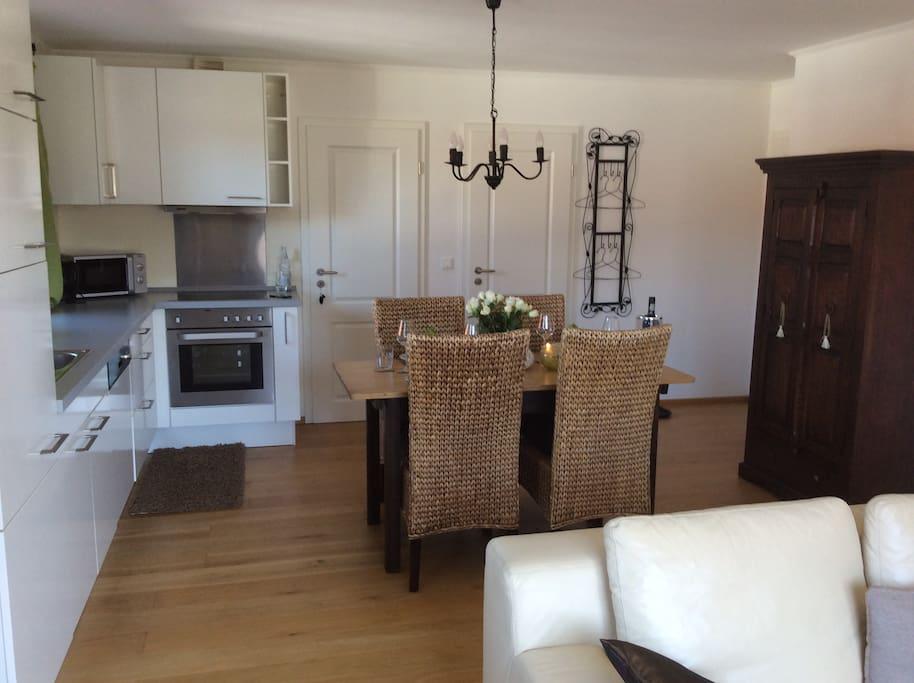 Moderne und top ausgestattete Küche mit allem Komfort!