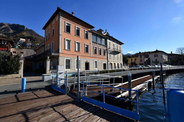 Residenza di prestigio in Riva Al Lago Marone
