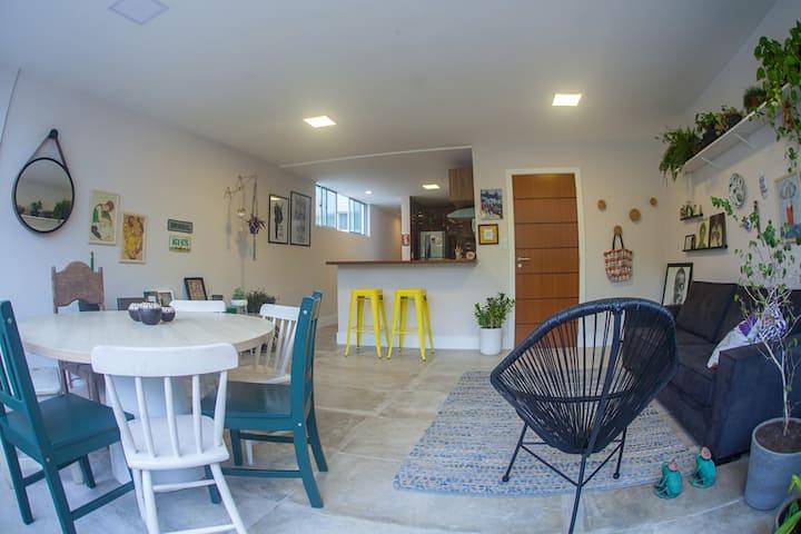 Room (D) with private bathroom - Rio Vermelho