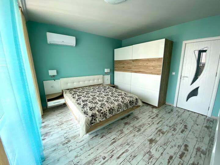 Newly Renovated Parkview Apartment, Slaveikov