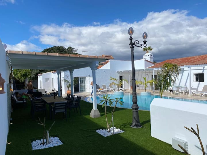 Villa Alamos Park - luxury 5 / 7 bed villa