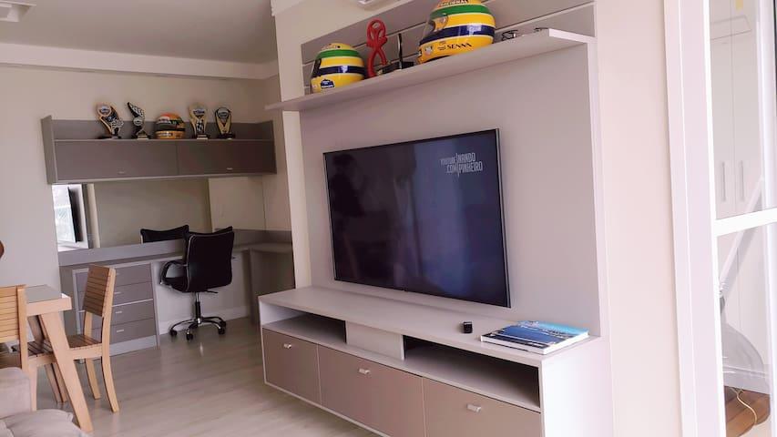 Quarto na casa de pessoa publica famosa no youtube