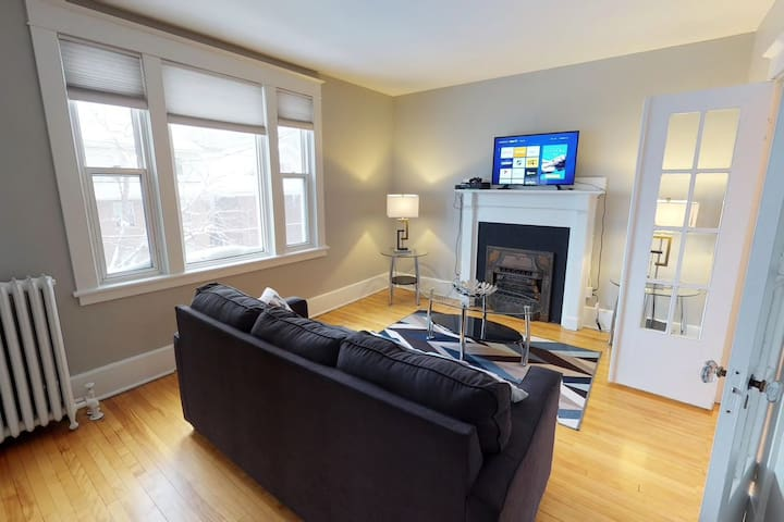 Bright, Clean, Private. In the Heart of Downtown!