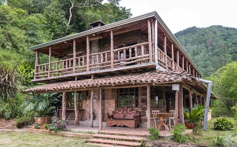 ★Chimeney & views★ Tropical Cloud Forest, Mountain