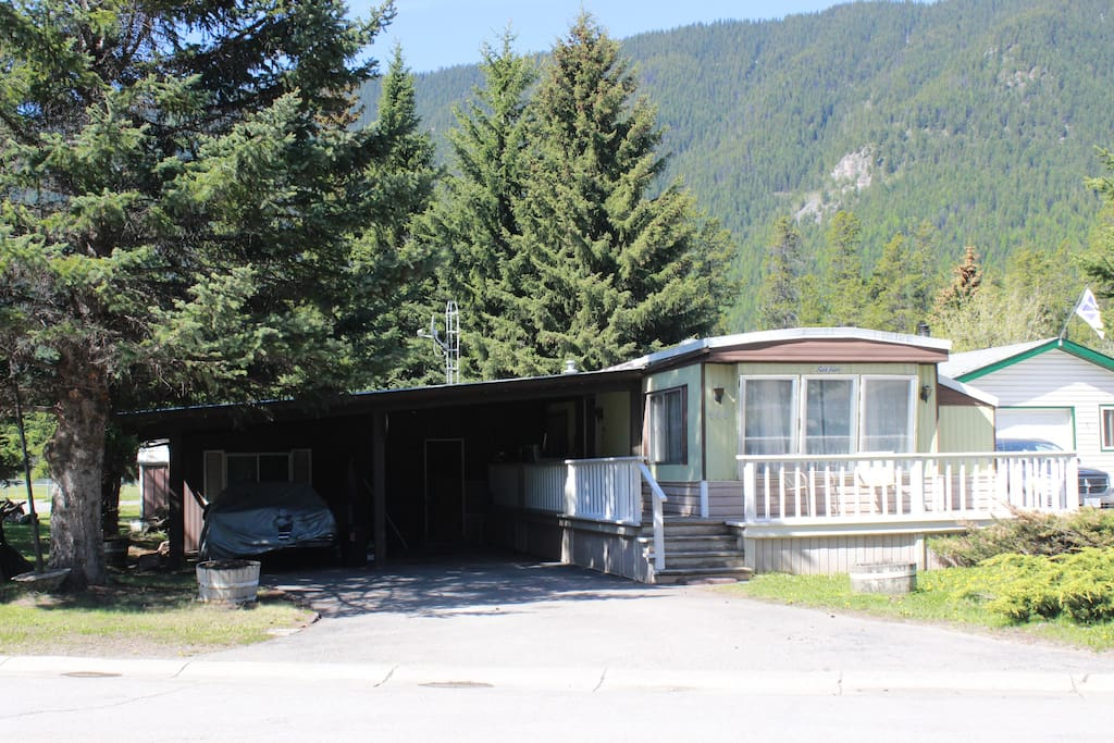 Spacious corner lot. Easily accessible